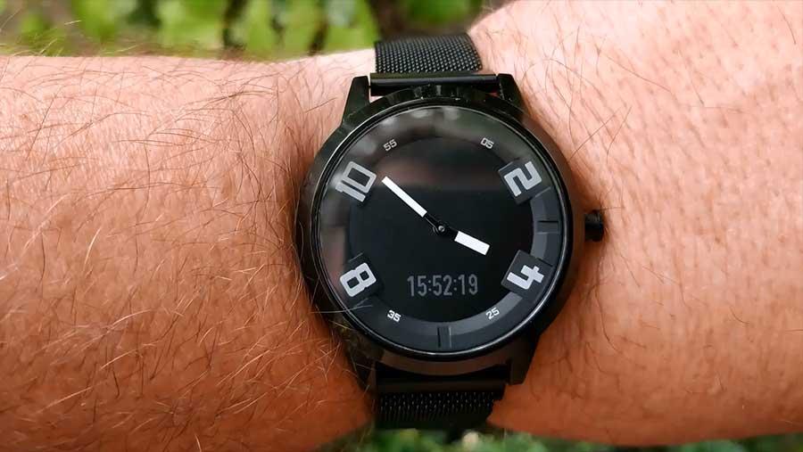 Внешний вид на руке Lenovo Watch X